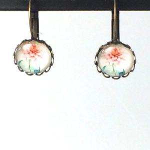 Gekartelde oorhangers bloem vaas