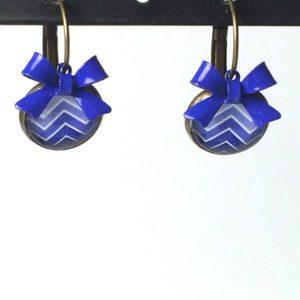 Oorhangers blauwe zigzag strik