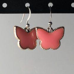 Zilveren oorhangers roze vlinder