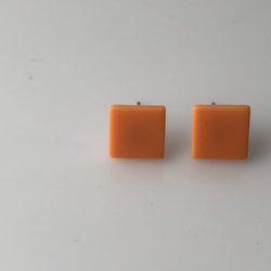 Lichtoranje vierkanten oorstekers