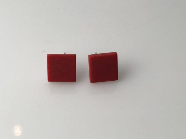 Vierkanten rode oorstekers