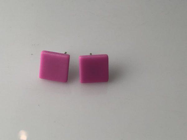 Vierkanten oorstekers roze