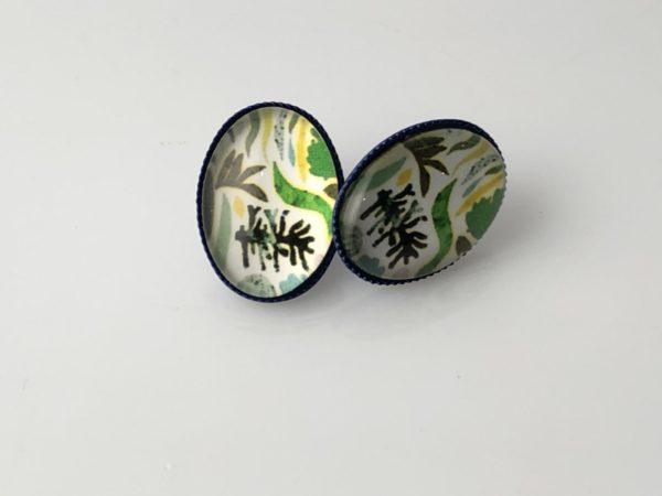 Ovalen oorstekers groen motief